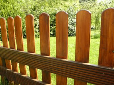 How to Install Fence?
