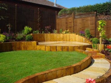 Downward Sloping Garden Ideas to Try